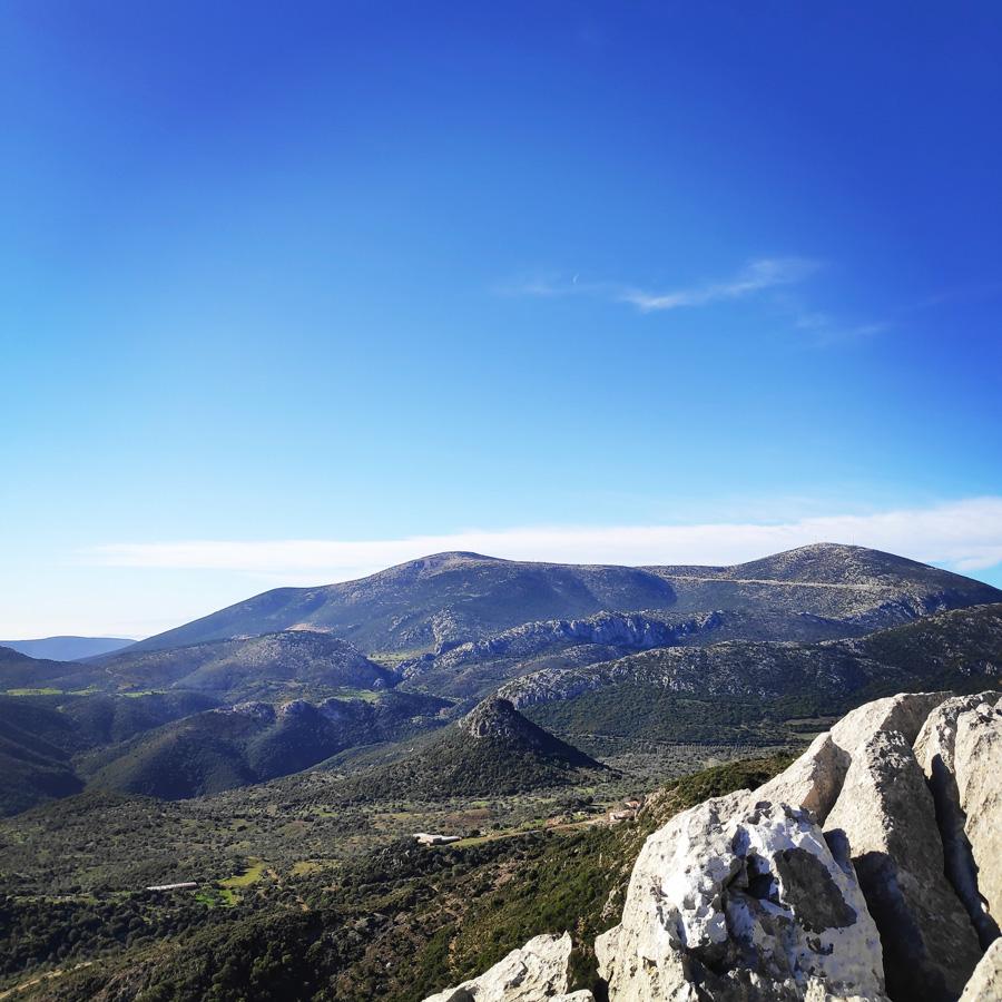 Climbing_South-East_Ridge_Ortholithi_Long_Run_161900_460