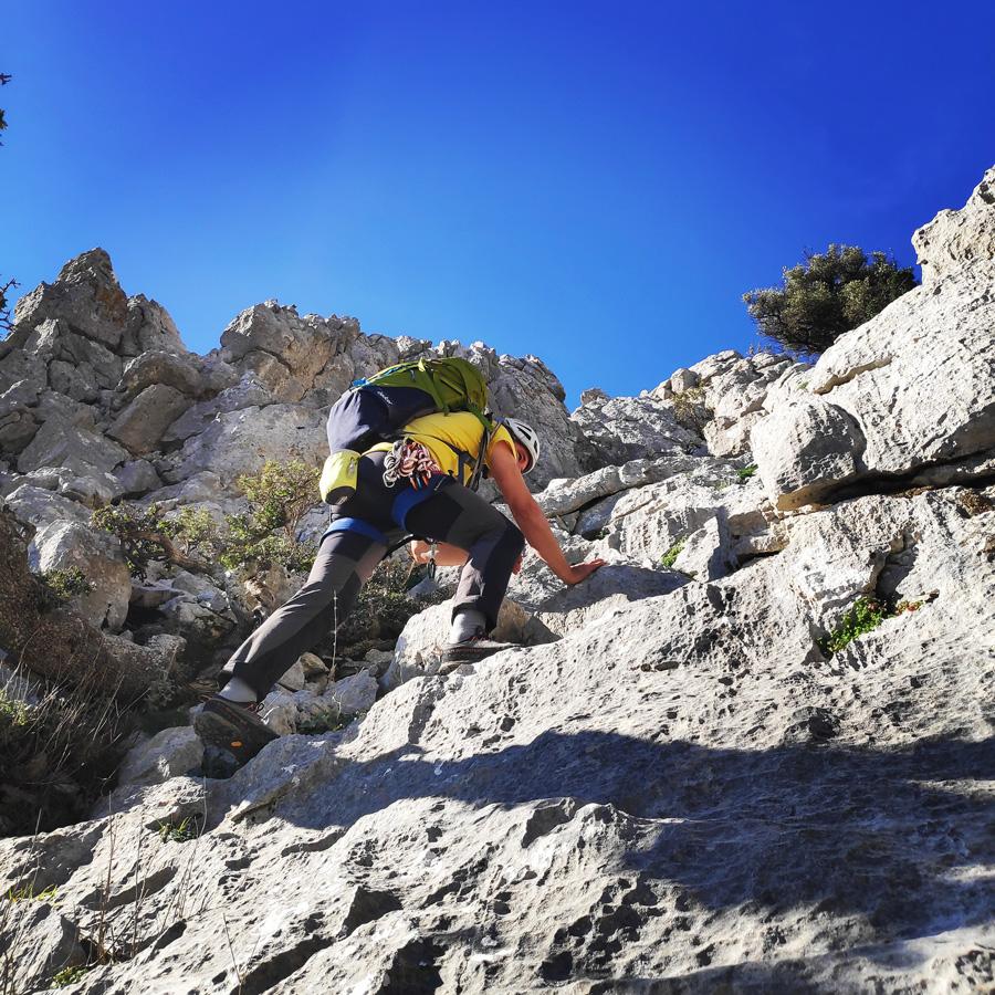 Climbing_South-East_Ridge_Ortholithi_Long_Run_162303_815