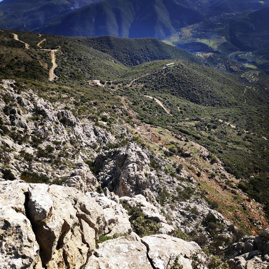 Climbing_South-East_Ridge_Ortholithi_Long_Run_162401_890