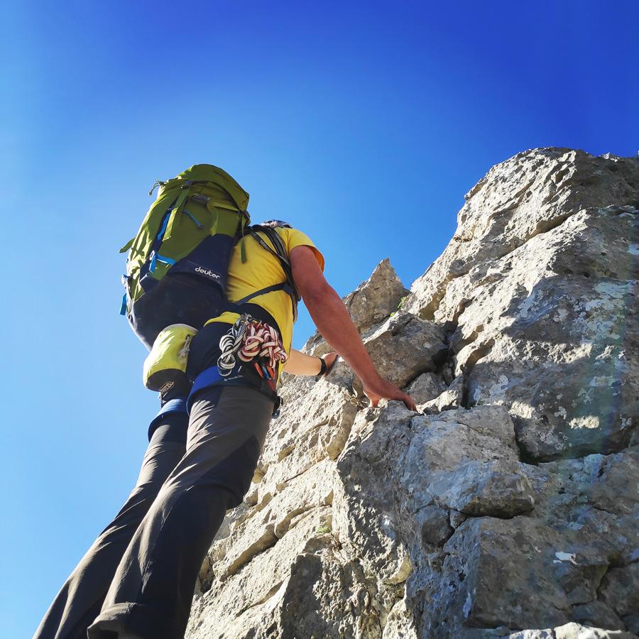 Climbing_South-East_Ridge_Ortholithi_Long_Run_162508_449