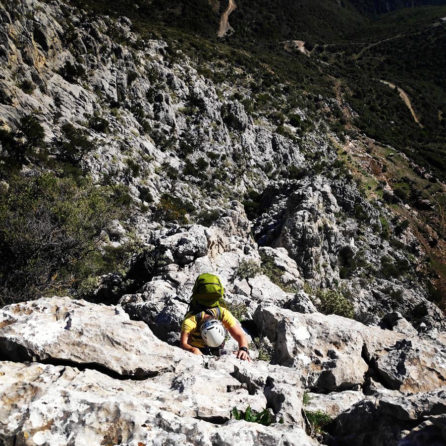 Climbing_South-East_Ridge_Ortholithi_Long_Run_162628_893