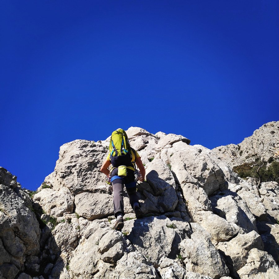 Climbing_South-East_Ridge_Ortholithi_Long_Run_162858_841