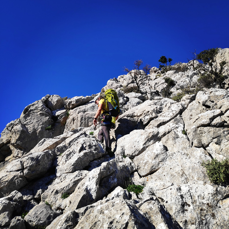 Climbing_South-East_Ridge_Ortholithi_Long_Run_162947_938