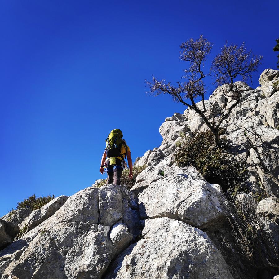 Climbing_South-East_Ridge_Ortholithi_Long_Run_163016_502