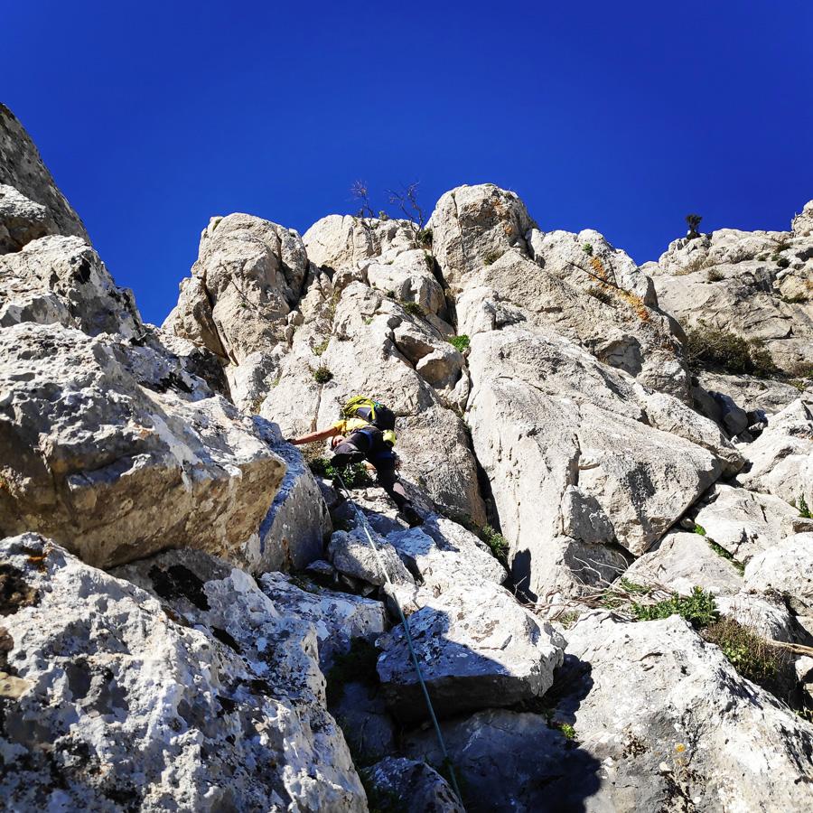 Climbing_South-East_Ridge_Ortholithi_Long_Run_163508_675