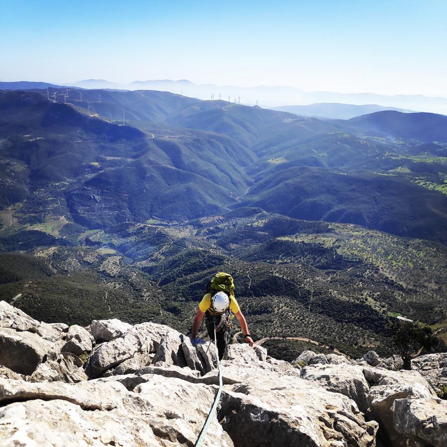 Climbing_South-East_Ridge_Ortholithi_Long_Run_163712_996