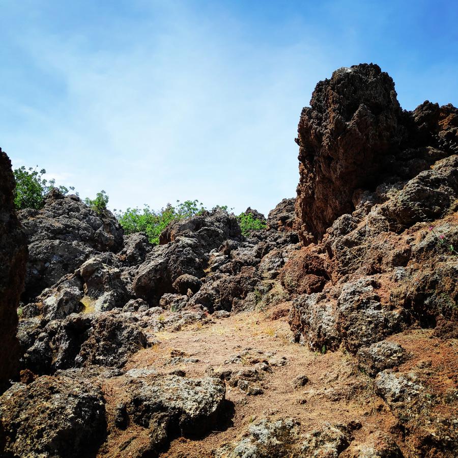 Hiking_Methana_Volcano_150507_355