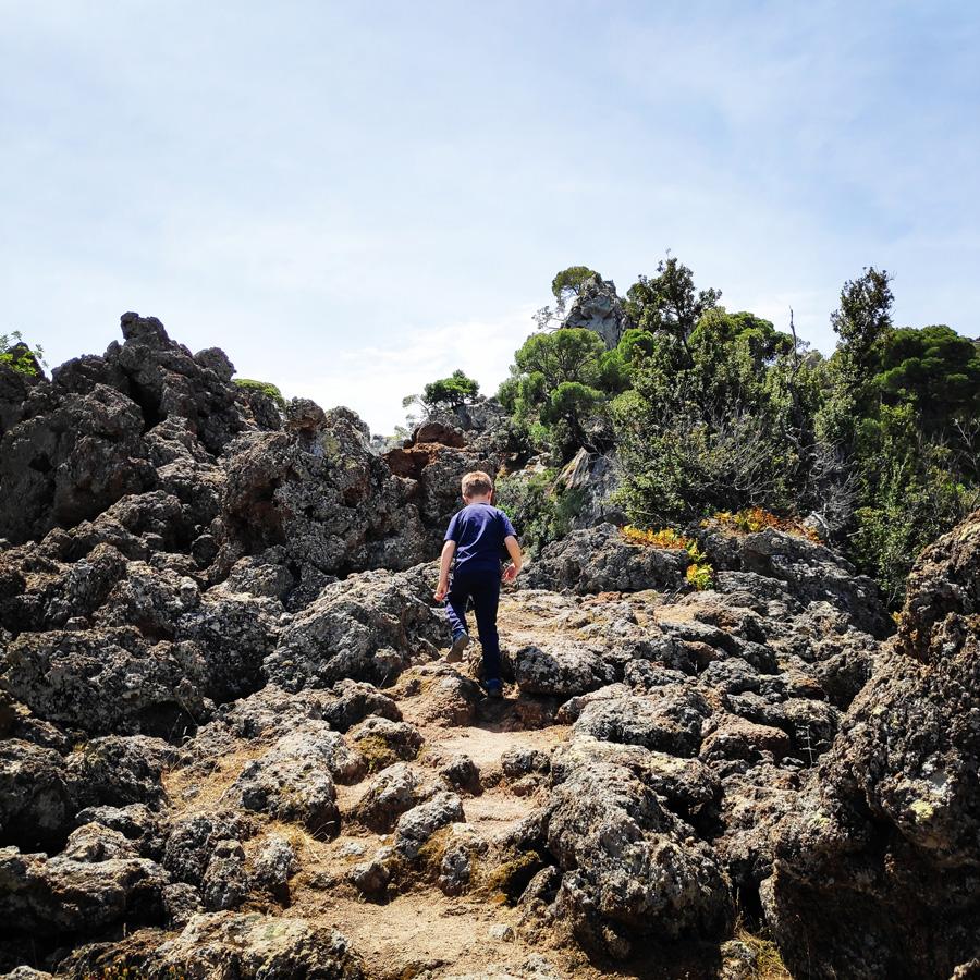 Hiking_Methana_Volcano_150545_516