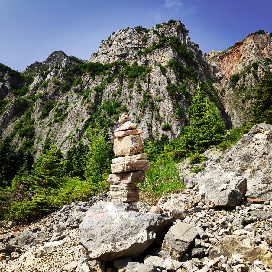 Hiking_in_Tzoumerka_Athamanika_Pramanta_Kefalovriso_Waterafall_Melissourgoi_190245_216