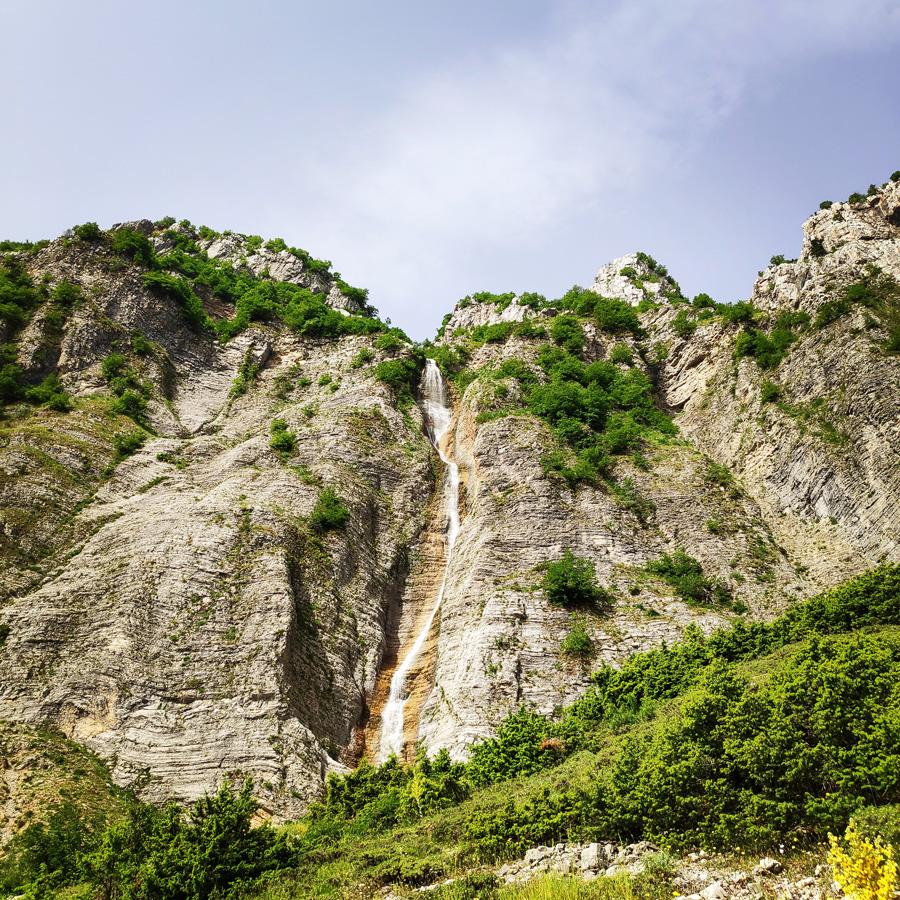 Hiking_in_Tzoumerka_Athamanika_Pramanta_Kefalovriso_Waterafall_Melissourgoi_190403_399