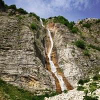 Hiking in Tzoumerka (Athamanika) - Pramanta Refuge - Kefalovriso Waterfall - Melissourgoi Refuge