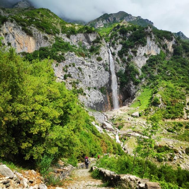 Hiking_in_Tzoumerka_Athamanika_Waterafalls_064258_656