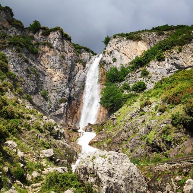 Hiking_in_Tzoumerka_Athamanika_Waterafalls_064329_814