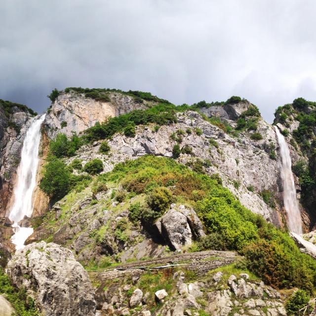Hiking_in_Tzoumerka_Athamanika_Waterafalls_064411_014