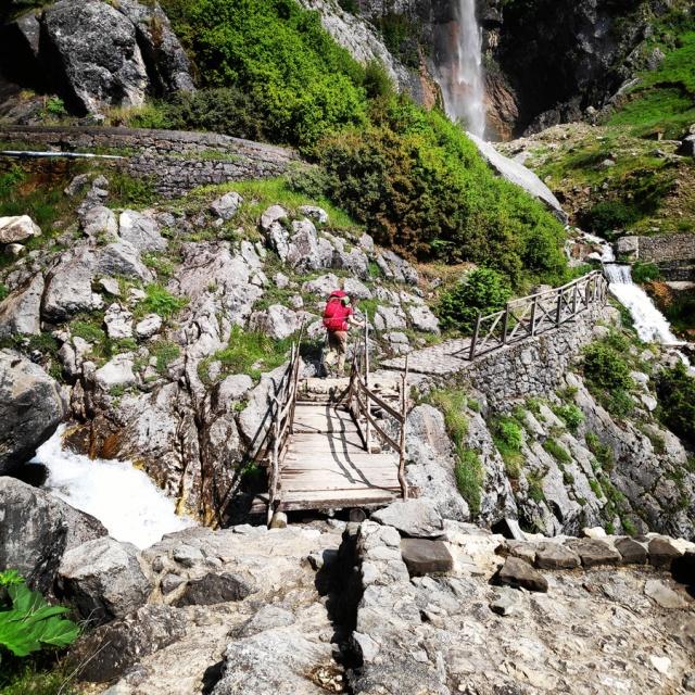 Hiking_in_Tzoumerka_Athamanika_Waterafalls_064438_550
