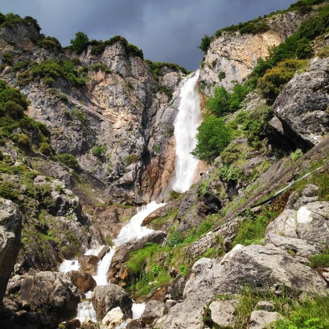 Hiking_in_Tzoumerka_Athamanika_Waterafalls_064516_049