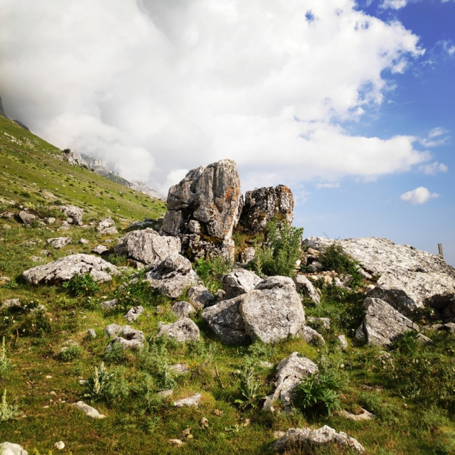 Hiking_in_Tzoumerka_Athamanika_Waterafalls_070309_597