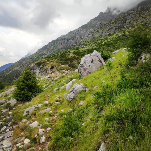Hiking_in_Tzoumerka_Athamanika_Waterafalls_070605_359