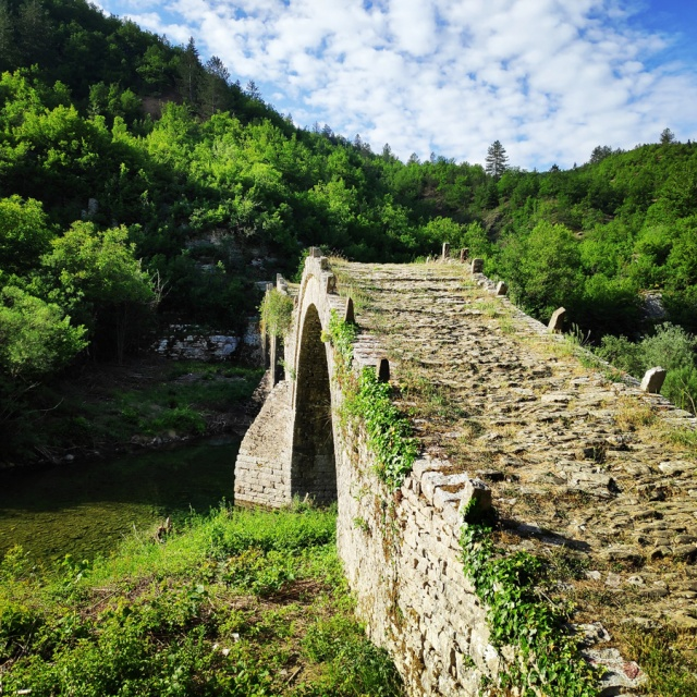 Hiking_Zagori_Villages_Bridges_Zagorochoria_212540_761