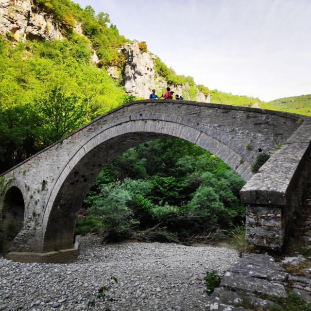 Hiking_Zagori_Villages_Bridges_Zagorochoria_212622_125