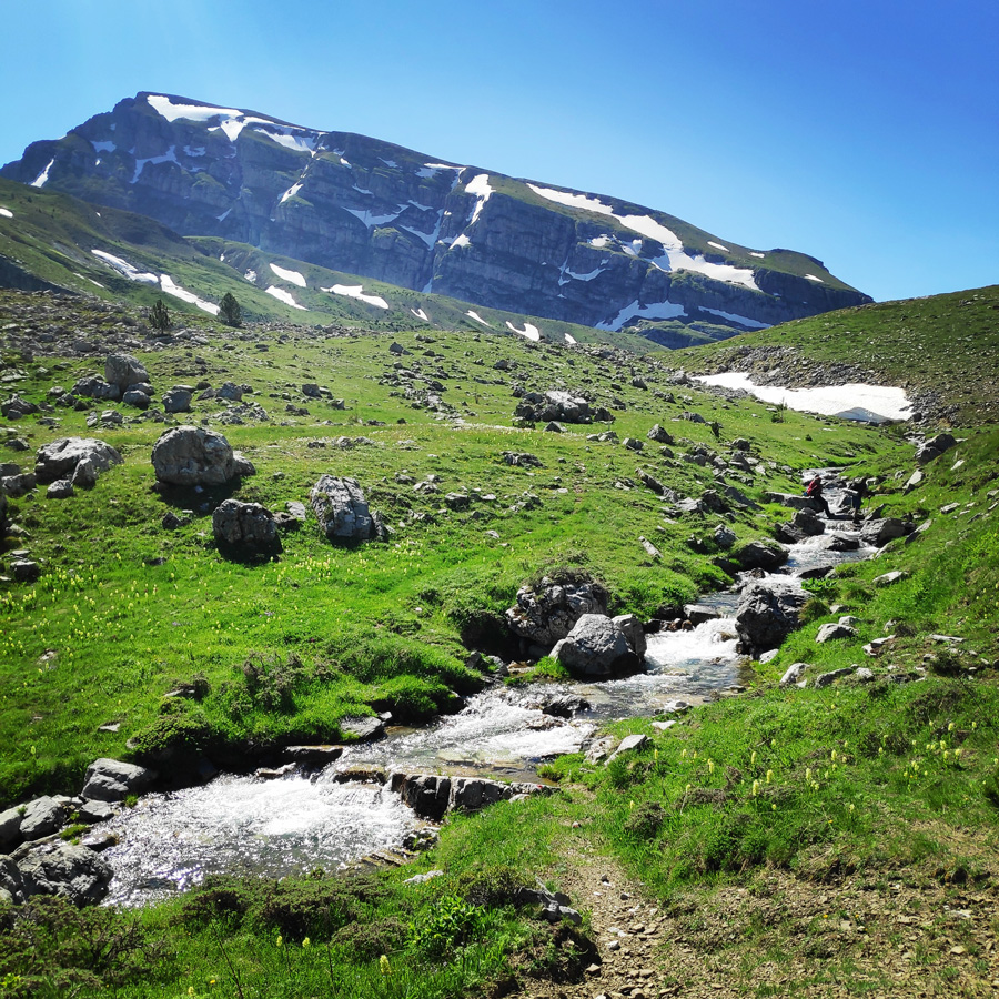 Mount_Tymfi_Pindos_North_Side_Thru-Hike_Part3_Astraka_Refuge_Davalista_Konitsa_121303_290