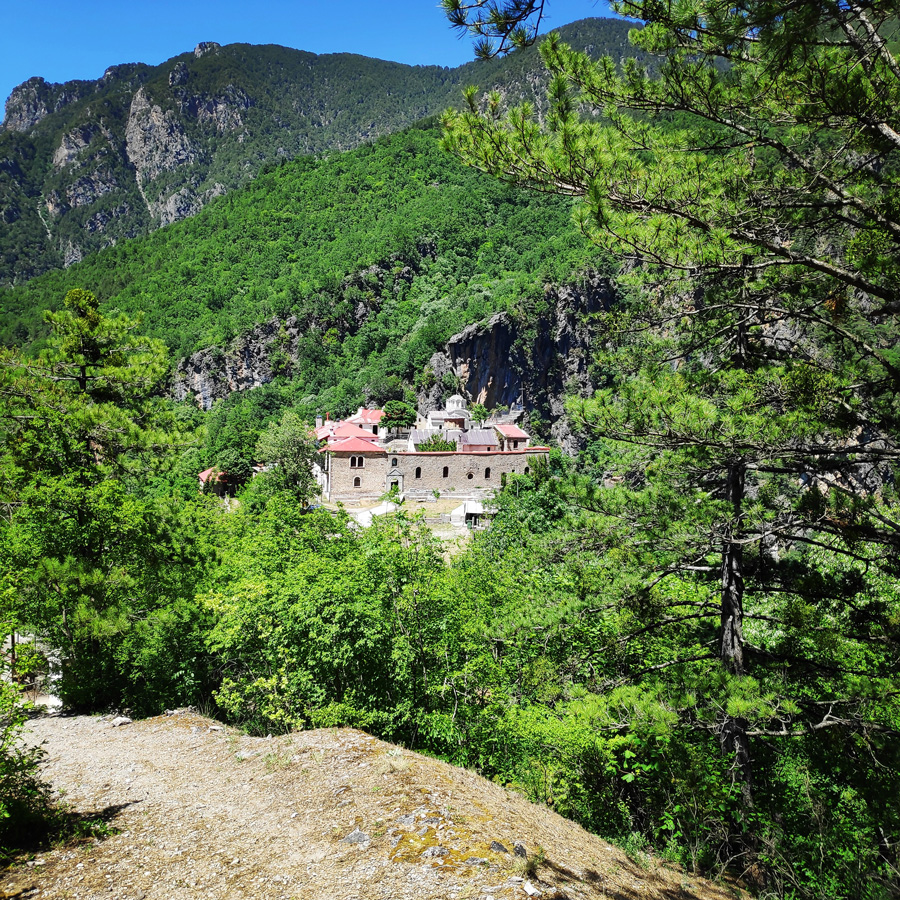 Mount_Tymfi_Pindos_North_Side_Thru-Hike_Part3_Astraka_Refuge_Davalista_Konitsa_122234_982