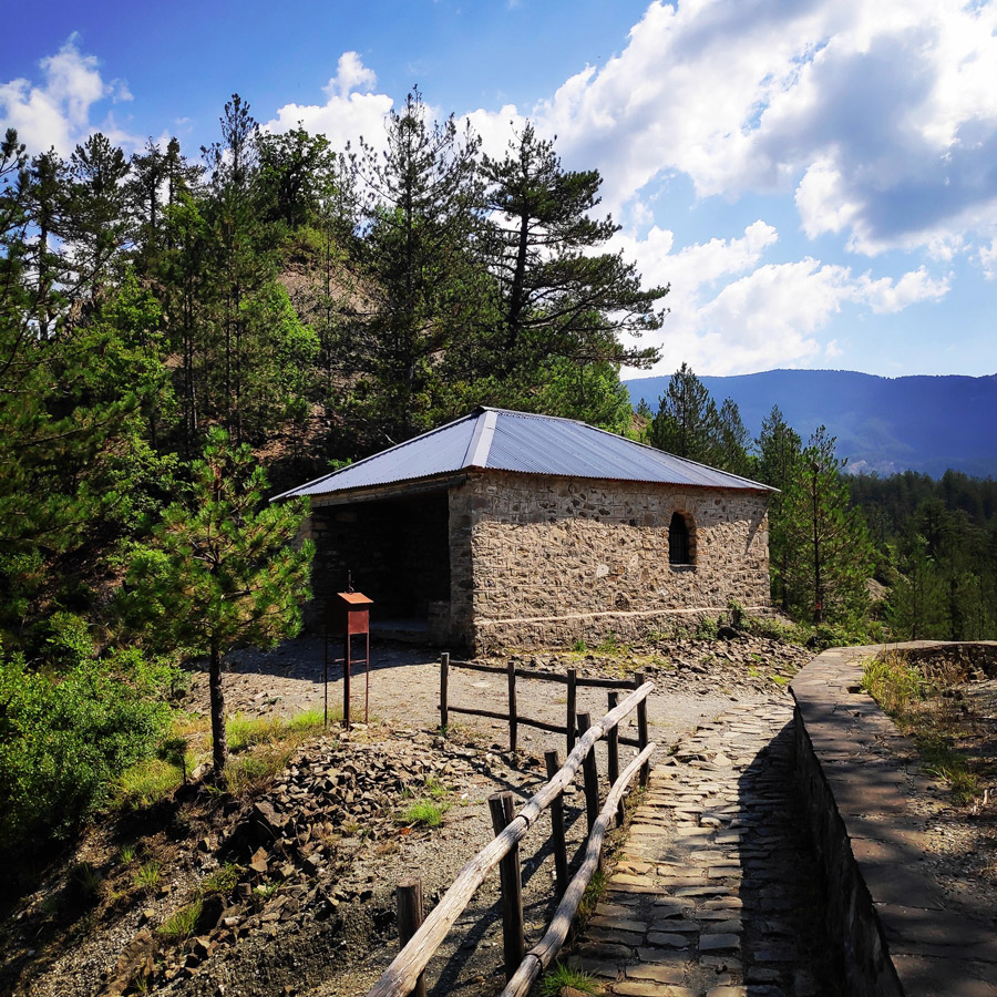 Hiking_Balta_di_Stringa_Iliochori_Tymfi_Pindos_092708_342-copy